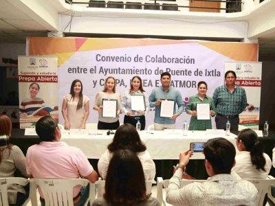 """<a href=""""/noticias/convenio-puente-de-ixtla-cespa-icatmor-ineea"""">CONVENIO PUENTE DE IXTLA – CESPA – ICATMOR – INEEA</a>"""