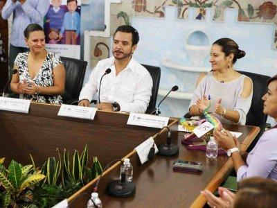 """<a href=""""/noticias/convenio-de-colaboracion-educativa-ineea-ayuntamiento-de-cuernavaca"""">CONVENIO DE COLABORACIÓN EDUCATIVA INEEA- AYUNTAMIENTO DE CUERNAVACA</a>"""