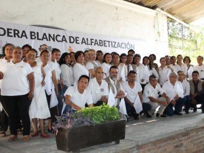 """<a href=""""/noticias/reconocimiento-personal-institucional-y-solidario-del-ineea-morelos"""">Reconocimiento a Personal Institucional y Solidario del INEEA Morelos</a>"""